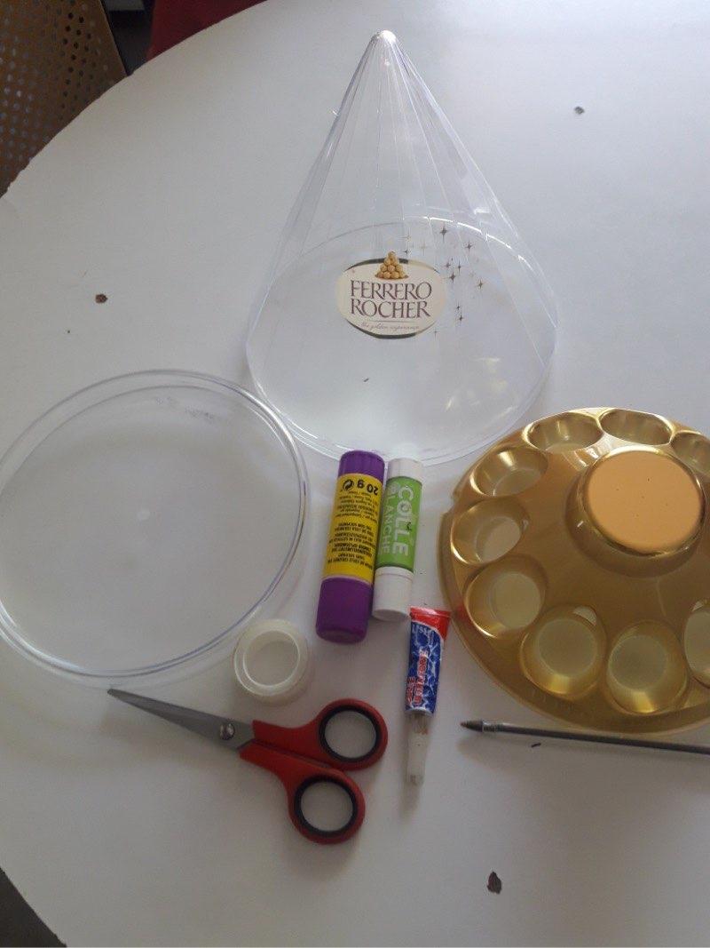 Zineb (GS) - matériel pour sapin décoré